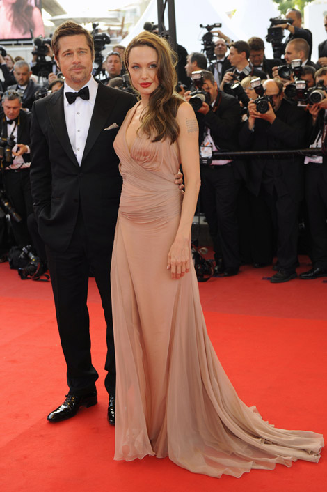 angelina-jolie-brad-pitt-versace-dress-cannes